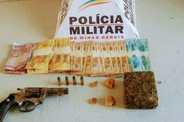 Polícia Militar apreende arma, munições e drogas em Arcos